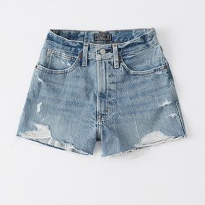 NEW Abercrombie & Fitch high rise denim shorts 27